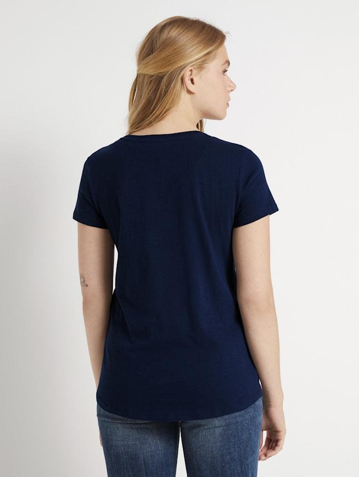 T-Shirt mit kleiner Stickerei