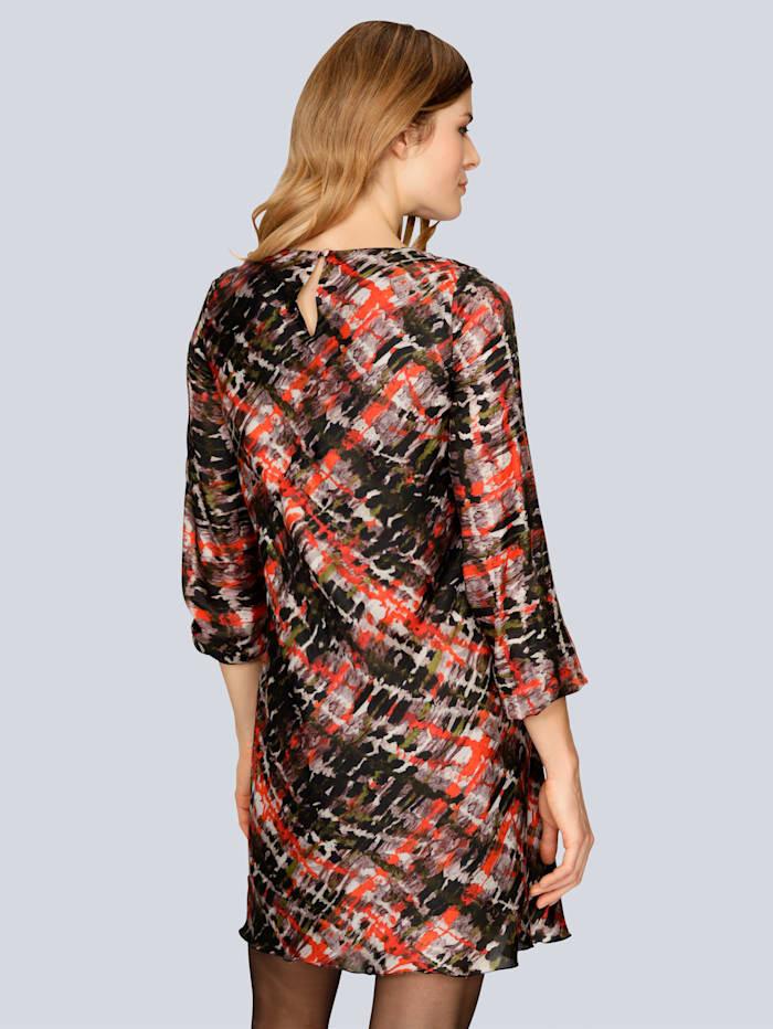 Kleid mit angesetztem Volant