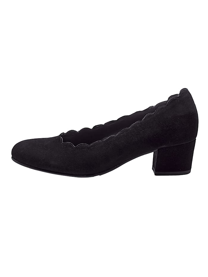 Court Shoes in beautiful suede