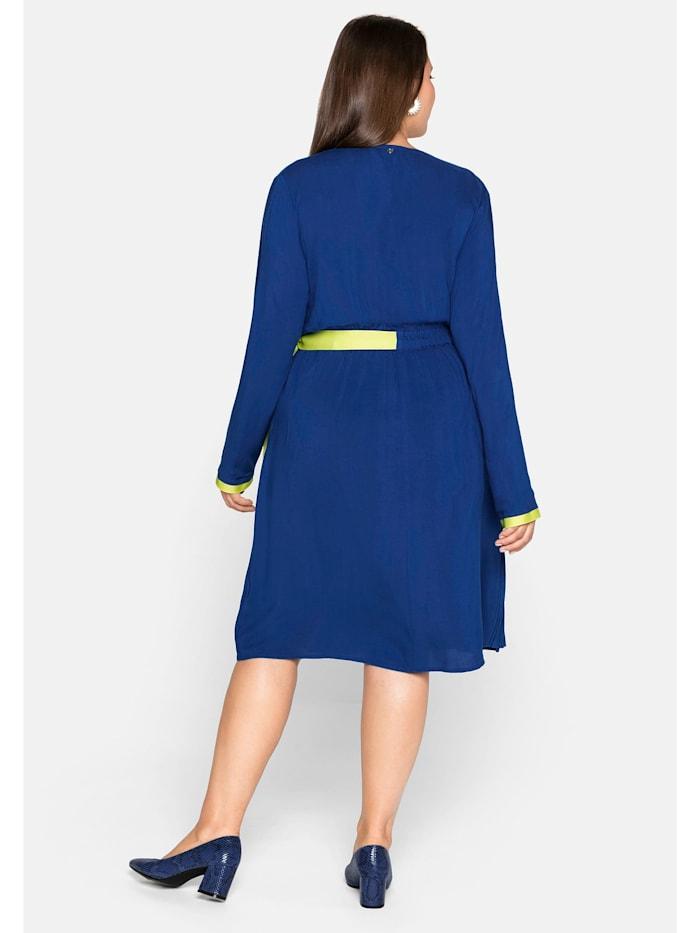 Sheego Kleid mit Plisseefalten und Kontrastdetails