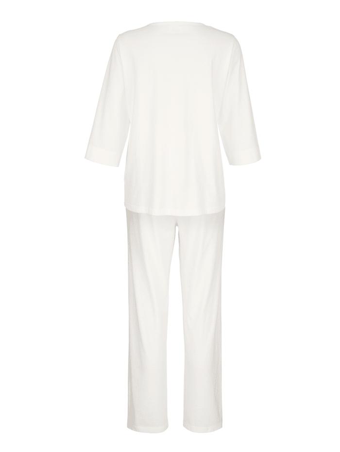 """Schlafanzug aus dem """"Cotton made in Africa"""" - Programm"""