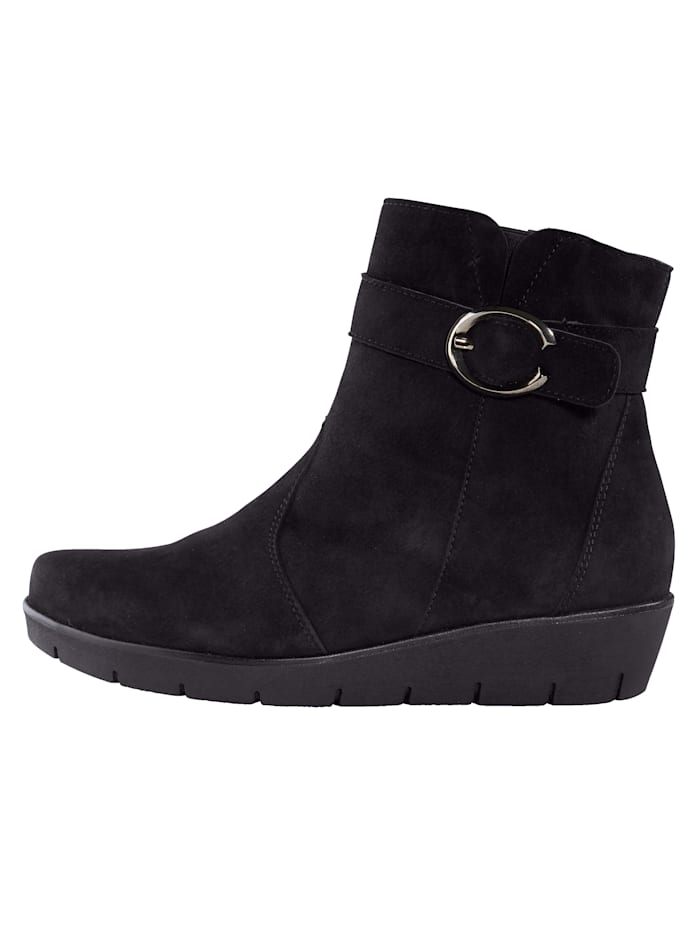 Ankle boots with removable felt insole