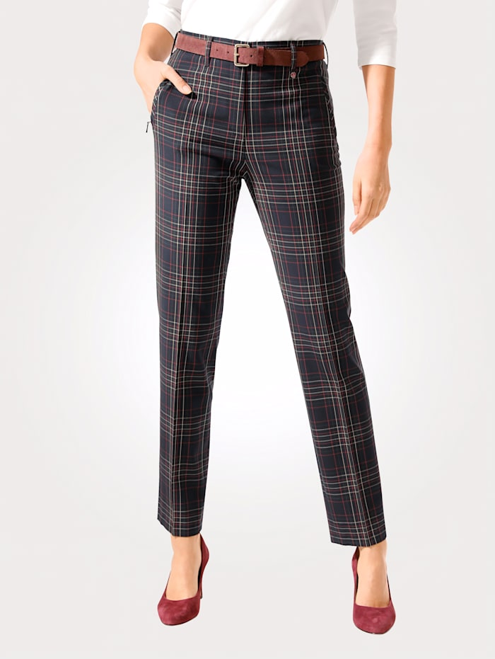 Relaxed by Toni Broek, Marine/Rood