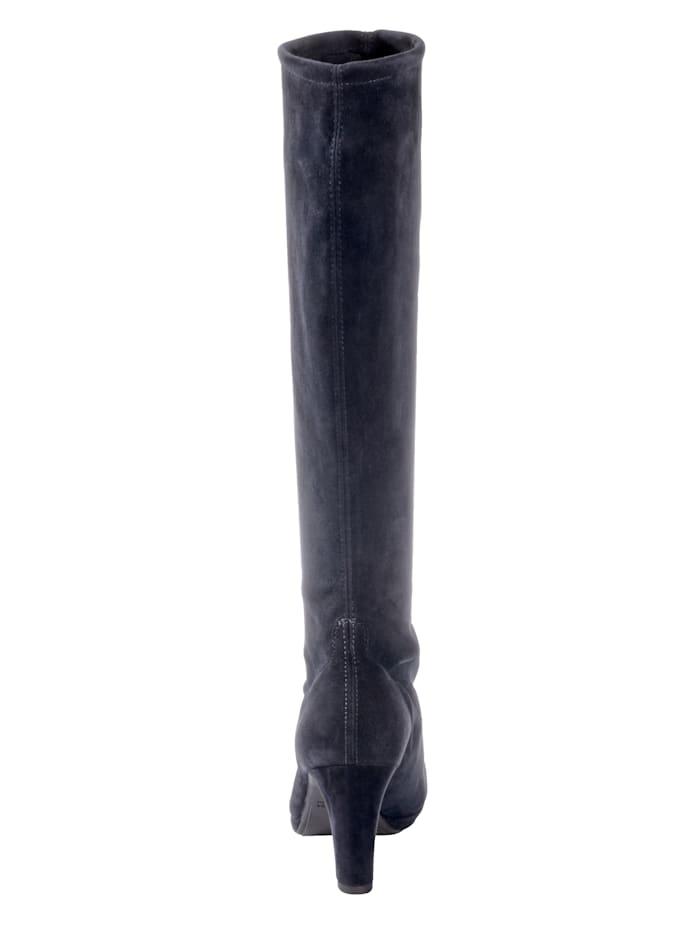 Stiefel mit elastischem Schaftfutter