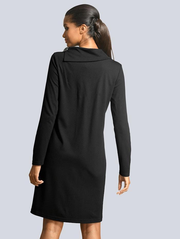 Taskullinen mekko