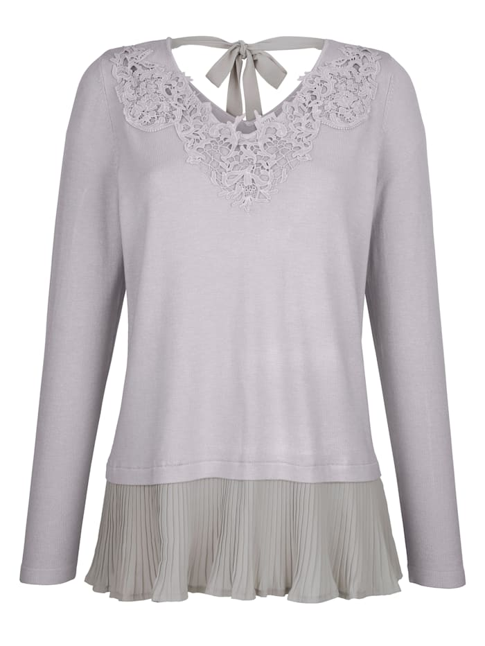 Jumper with lace detailing