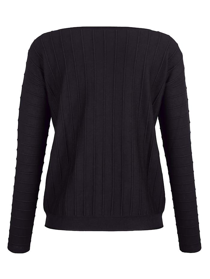 Pullover in aufwendigem Strickmuster