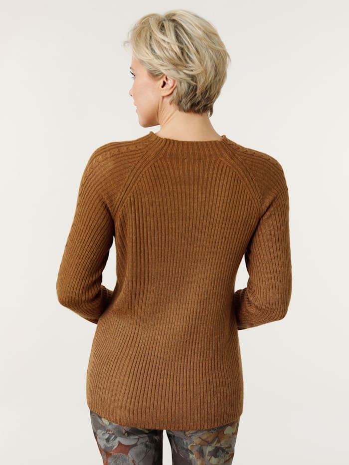 Pullover mit modischem Zopfmuster