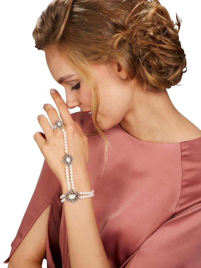 Handschmuck mit Süßwasser-Zuchtperlen
