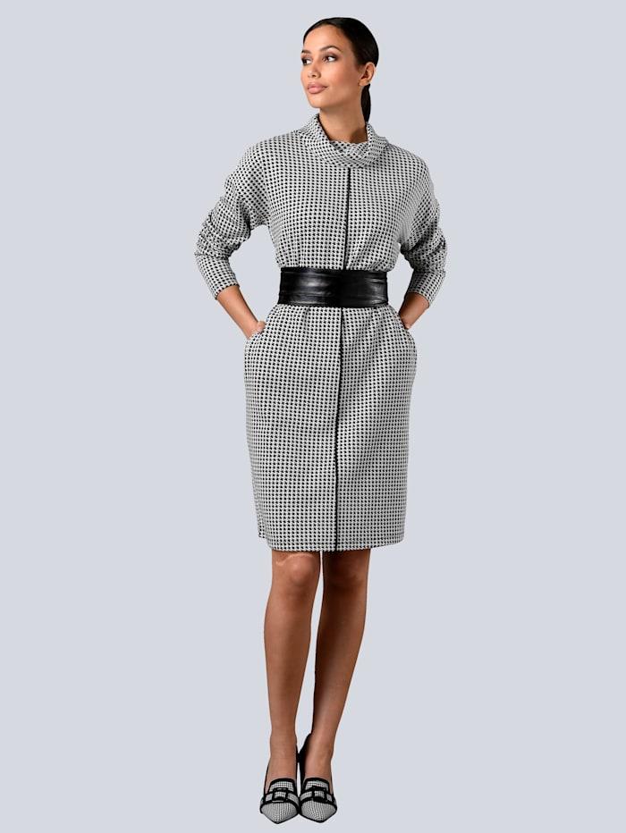 Kleid im Hahnentritt-Dessin allover