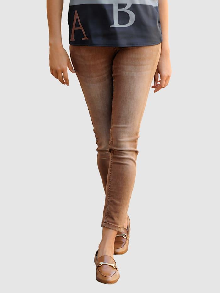 Alba Moda Jeans av färgad denim, Konjak