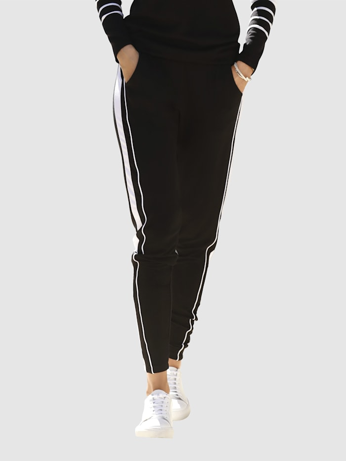 Jerseyhose mit kontrastfarbenen Streifen