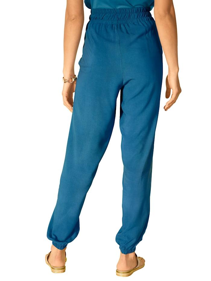 Hose mit Gummizug und Bindegürtel