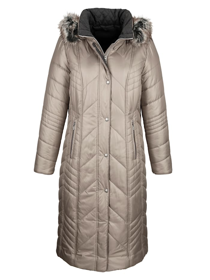 Quilted coat in a flattering longline cut