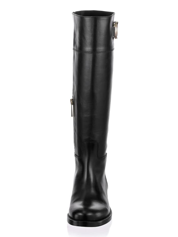 Stiefel mit dekorativer Spange