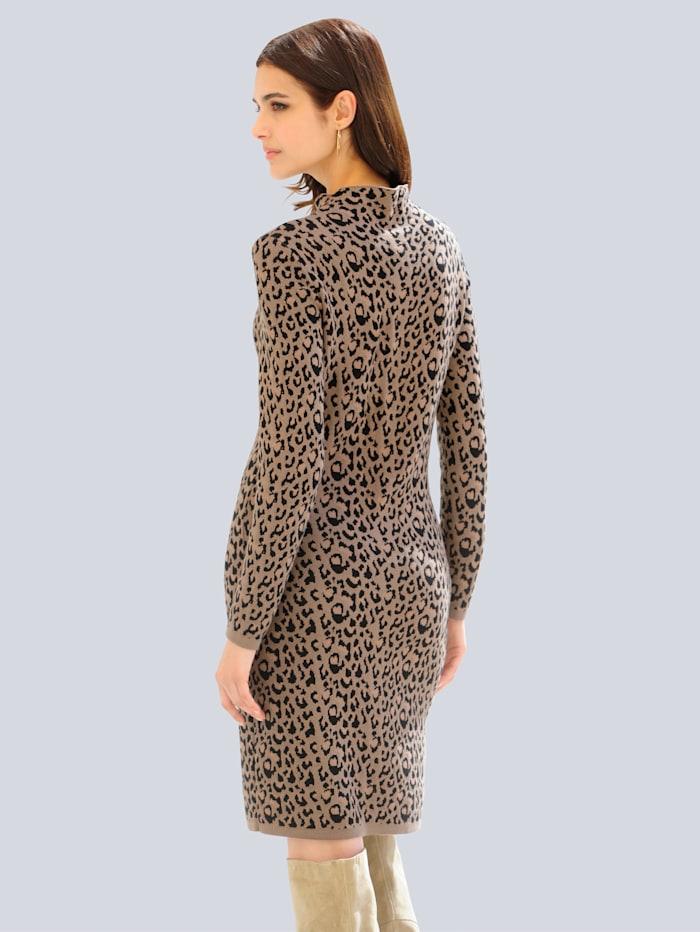 Kleid im exklusivem Leo-Dessin von Alba Moda
