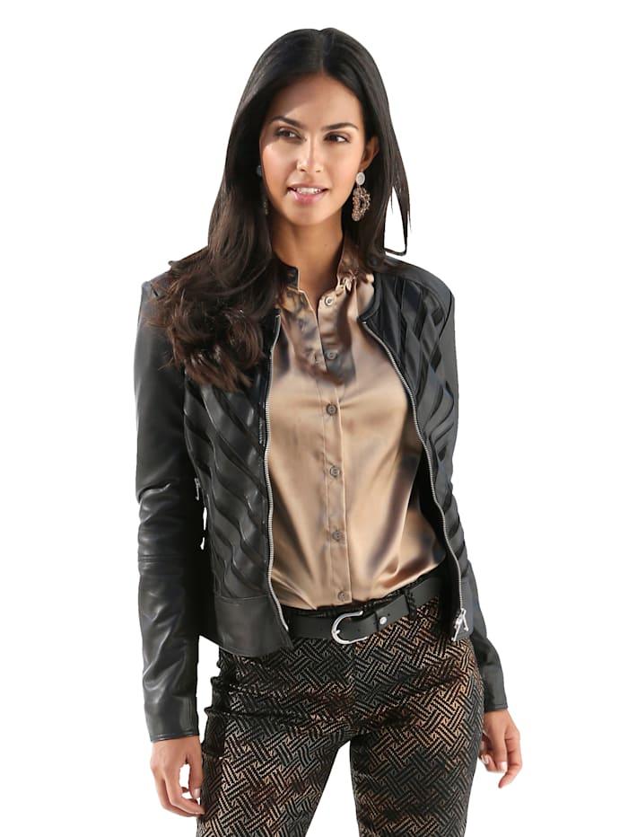 Kožená bunda s extravagantným mixom materiálov