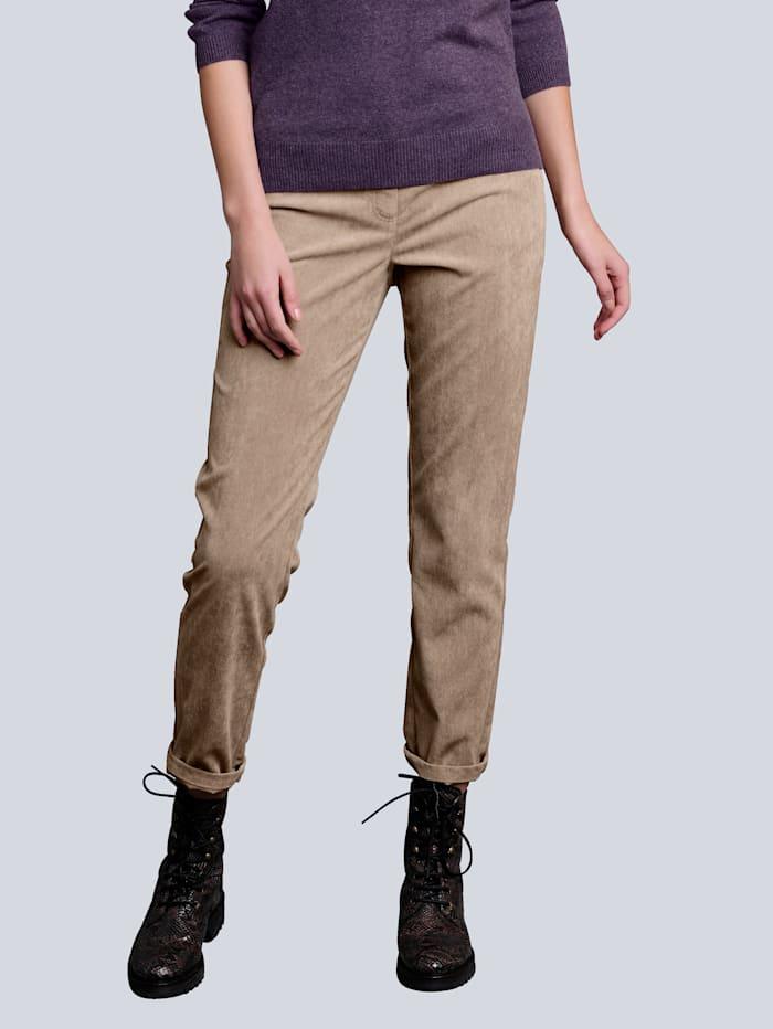 Hose aus modischem Feincord