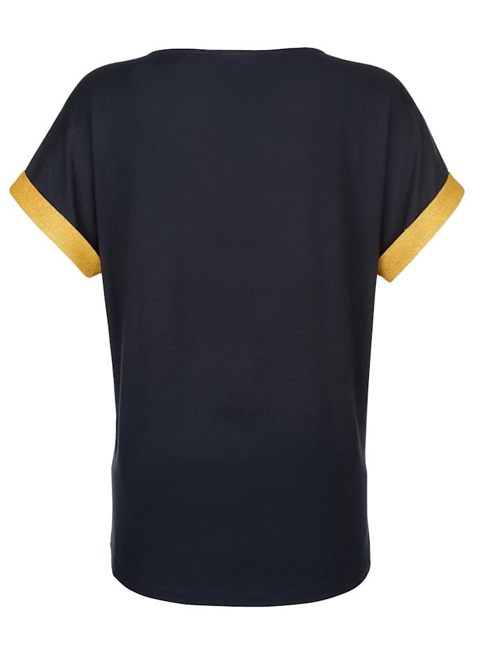 Shirts mit metallisiertem Garn