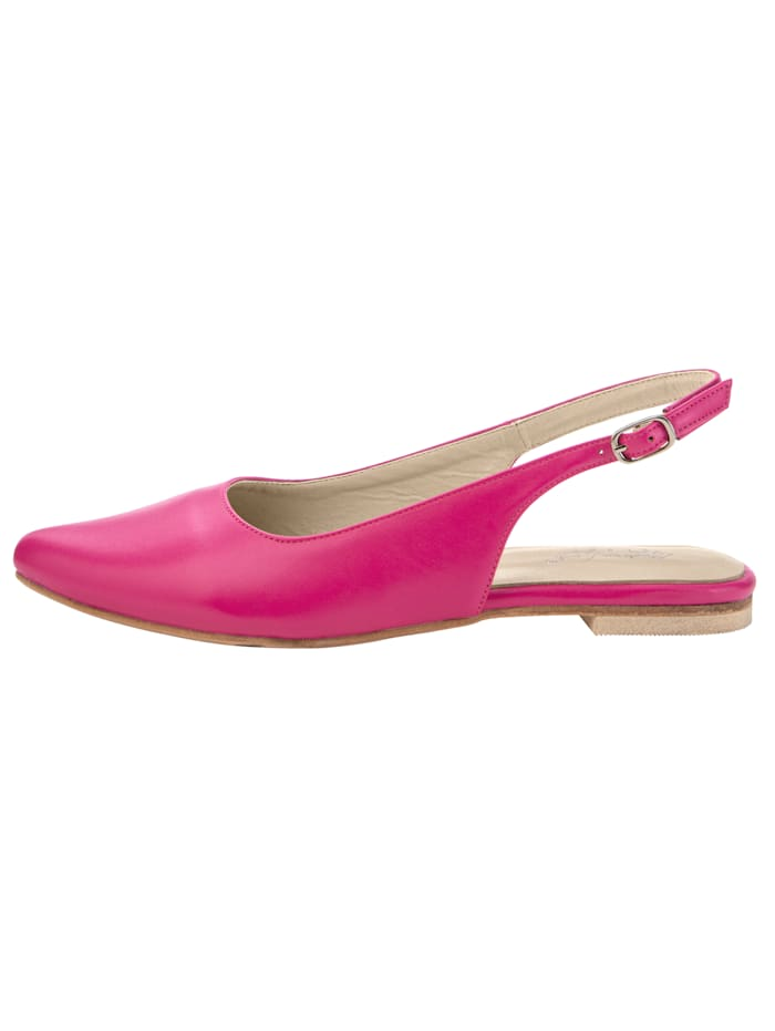 Slingback shoes with a pointed toe