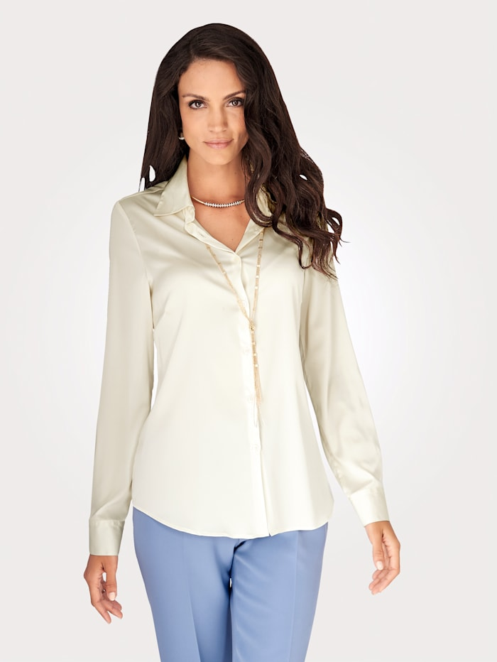 Blouse with silk touch