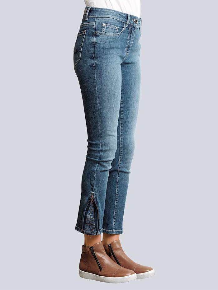 Jeans med strass och dragkejdor nedtill