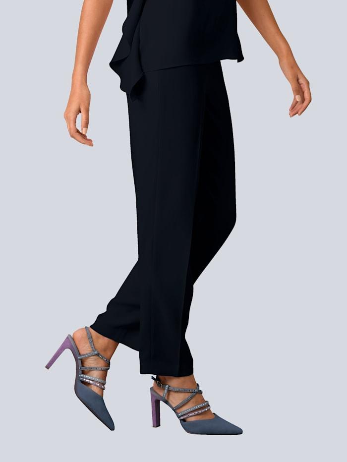 Hose aus fliessender Anzugware