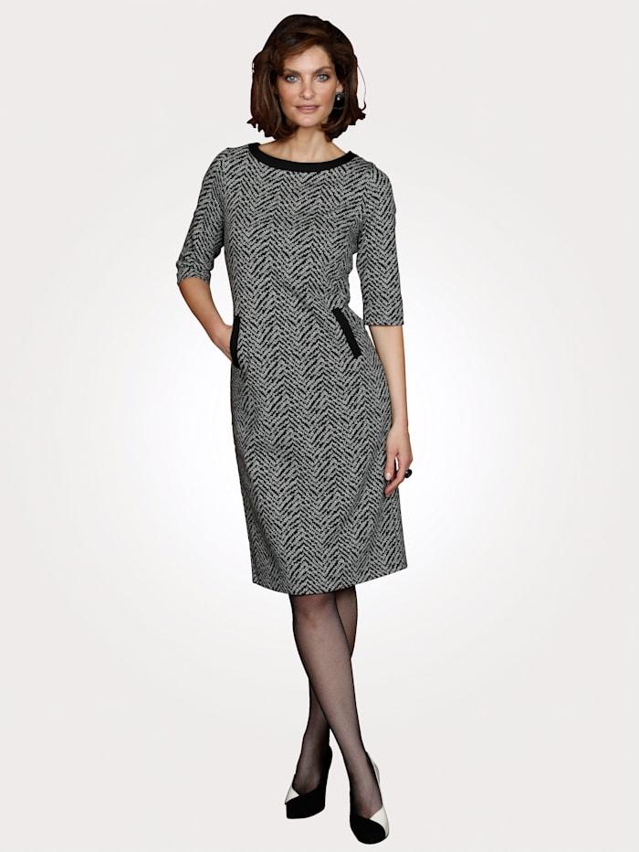 Jerseykleid mit grafischem Jacquard