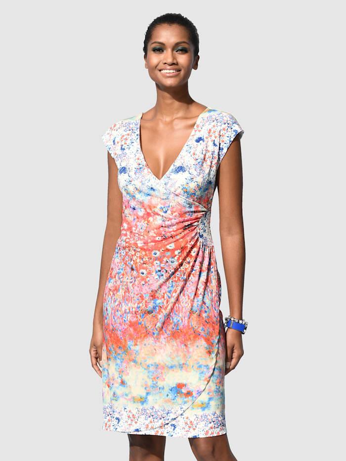 Šaty s barevným květinovým potiskem