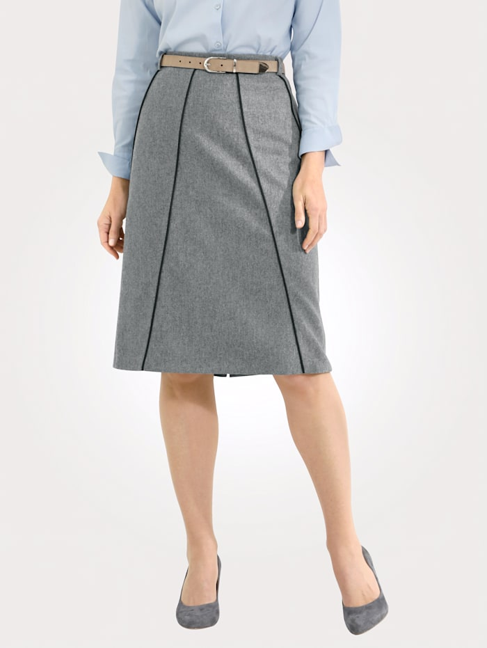 Skirt with contrast piping
