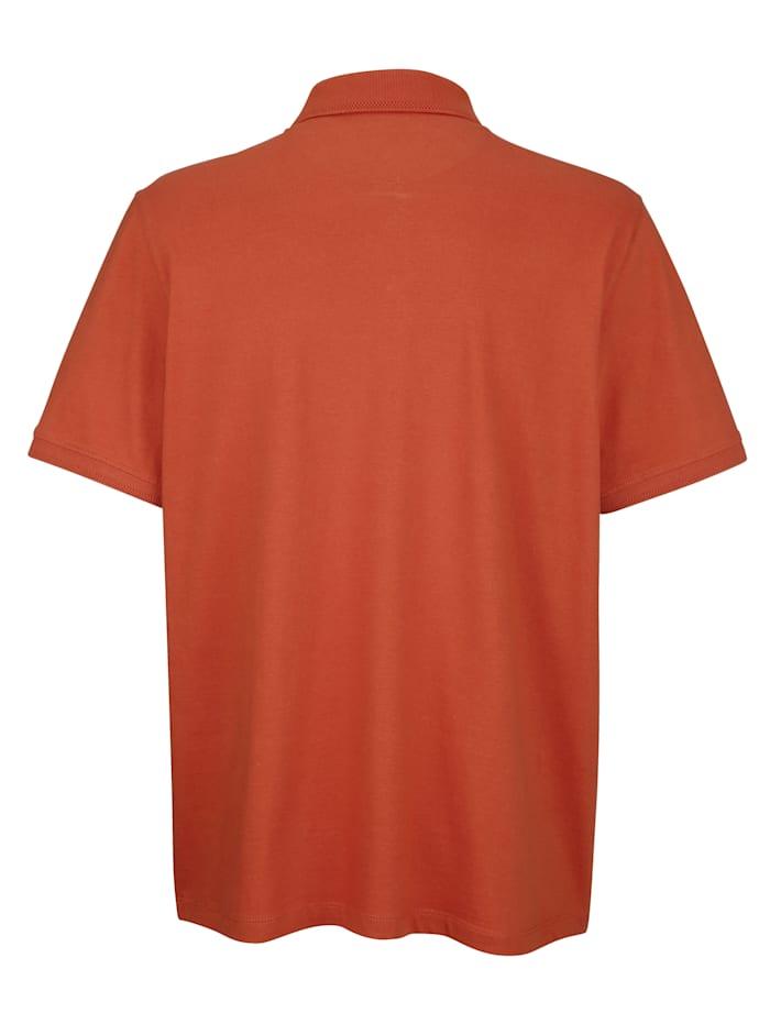 Tričko so zapínaním na patentný gombík