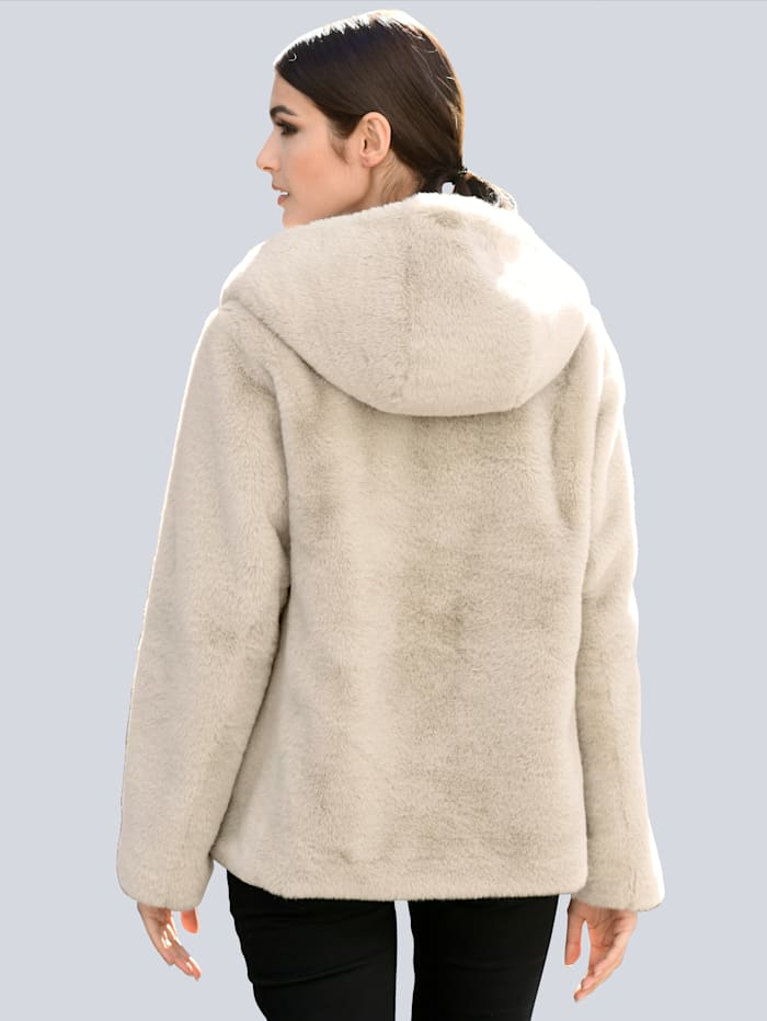 Jacke aus weichem Webpelz