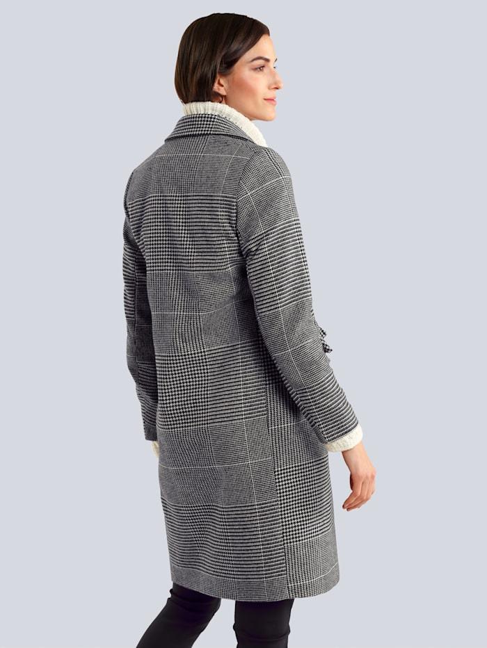 Mantel in klassischer Form
