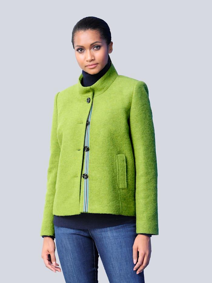 Wollen jas in een trendy kleur