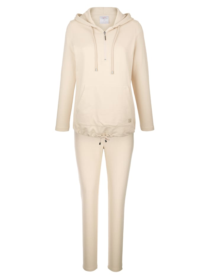 Leisure suit with a drawstring hem