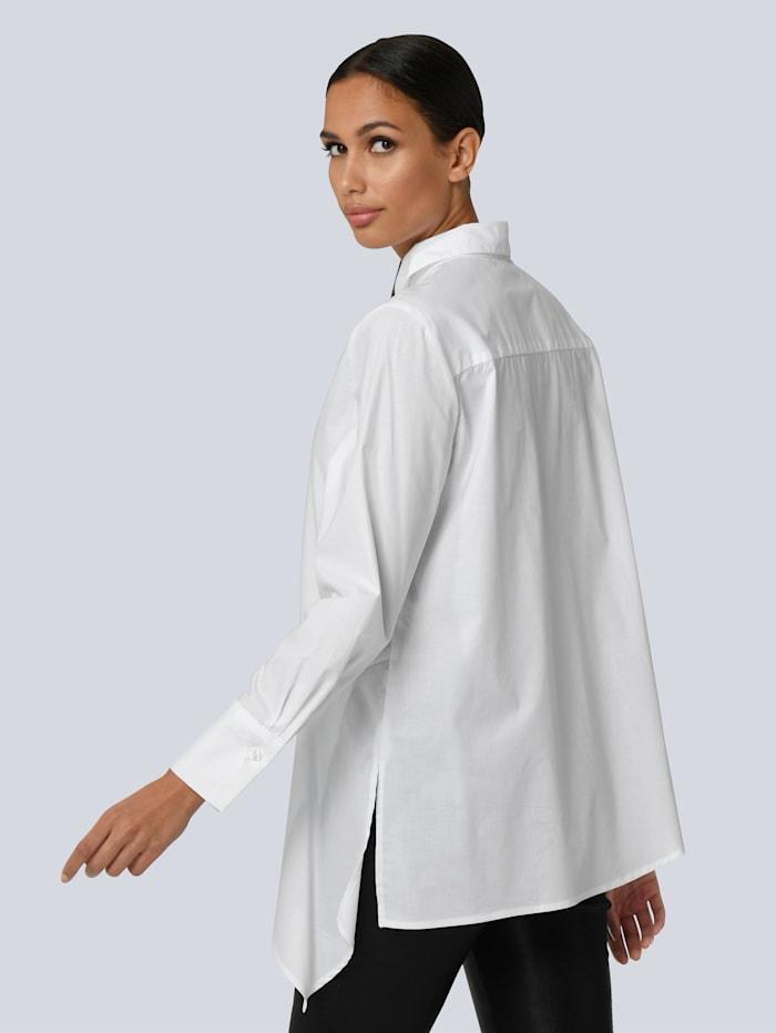 Bluse mit asymmetrischem Vorderteil