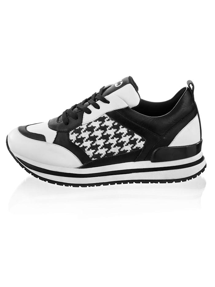 Sneaker mit Muster