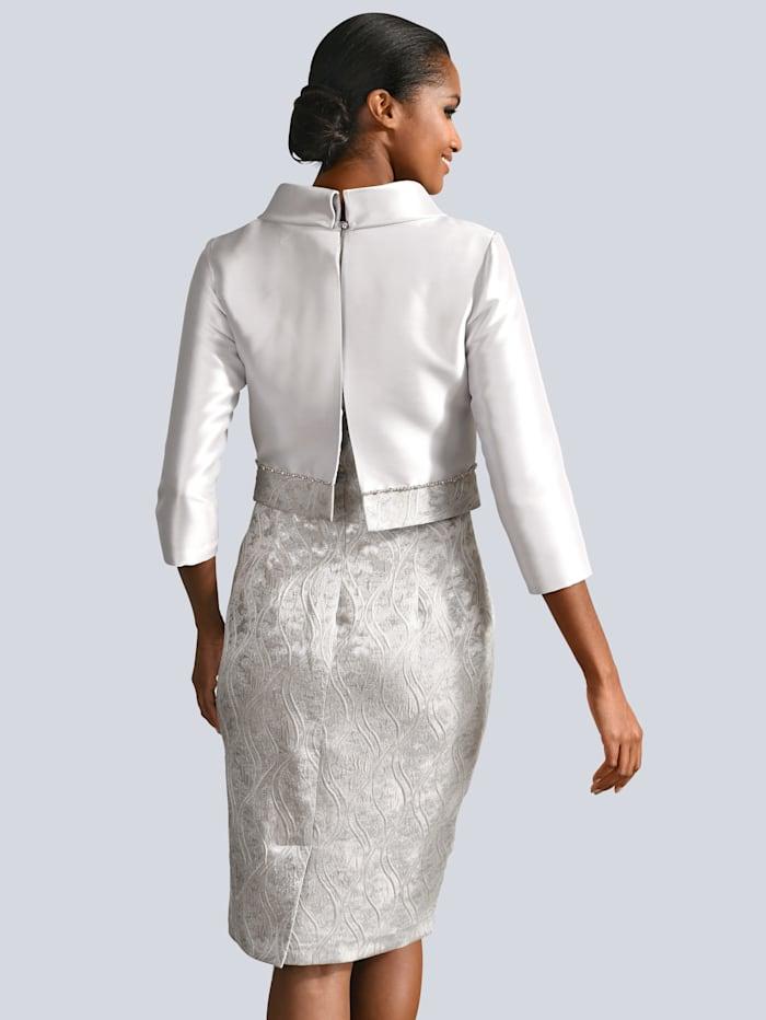 Kleid und Jacke in elegantem, floralem Muster