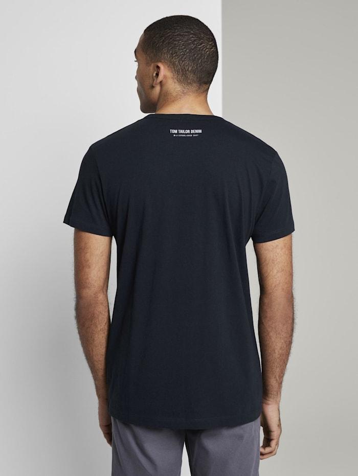 T-Shirt mit kleiner Sportsocken-Stickerei