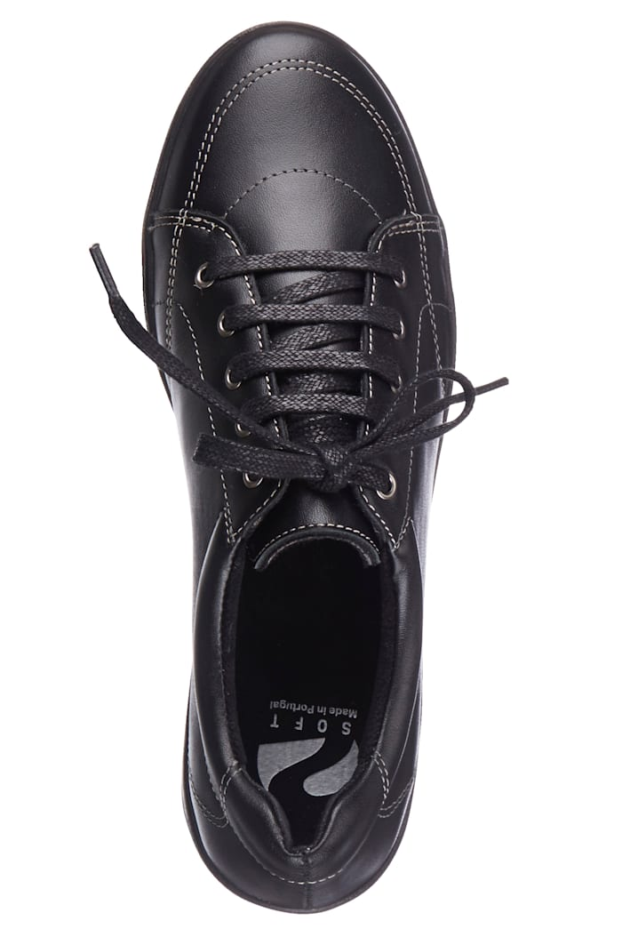 Lace-up shoes made of real leather