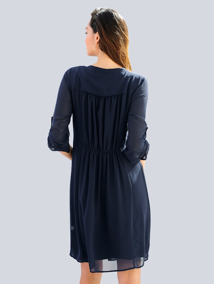 Kleid in Lagenoptik