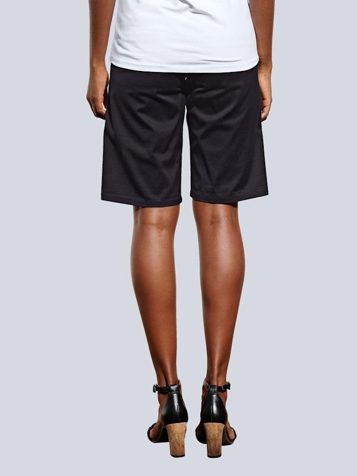 Bermuda-Shorts aus leicht glänzender Satin-Ware