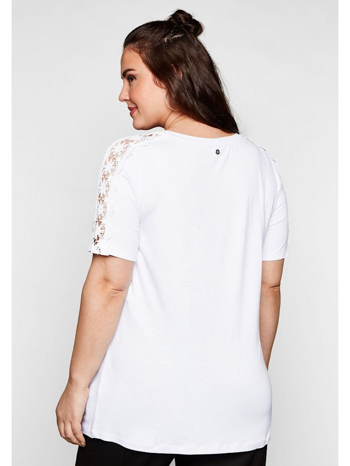 Shirt mit Spitze an den Ärmeln