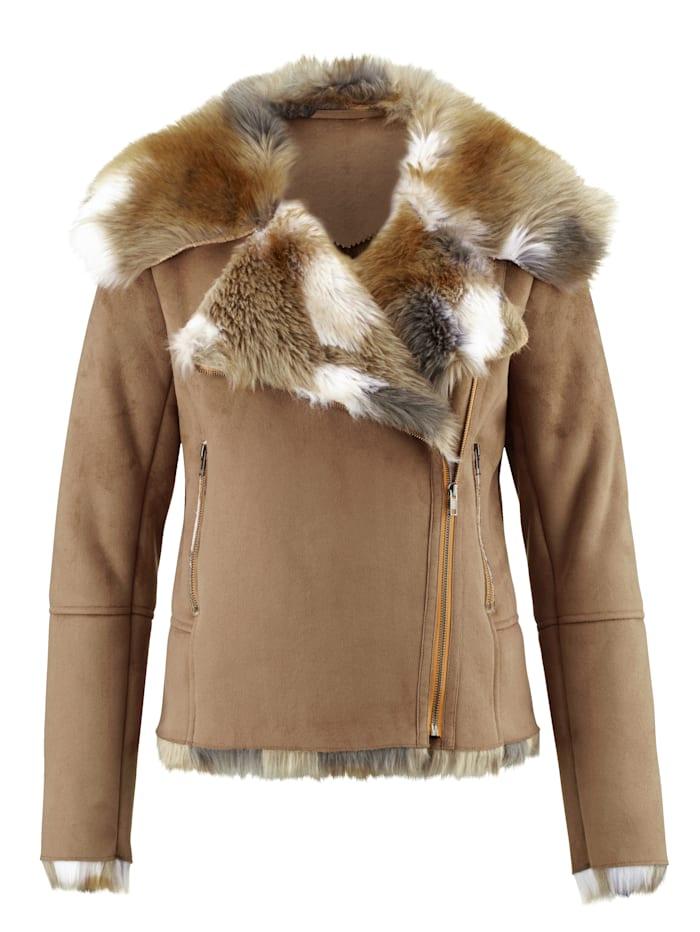 Jacke mit breitem Kunstfellkragen