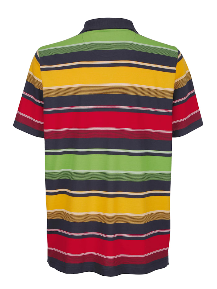 Poloskjorte med garnfarget stripemønster rundt hele