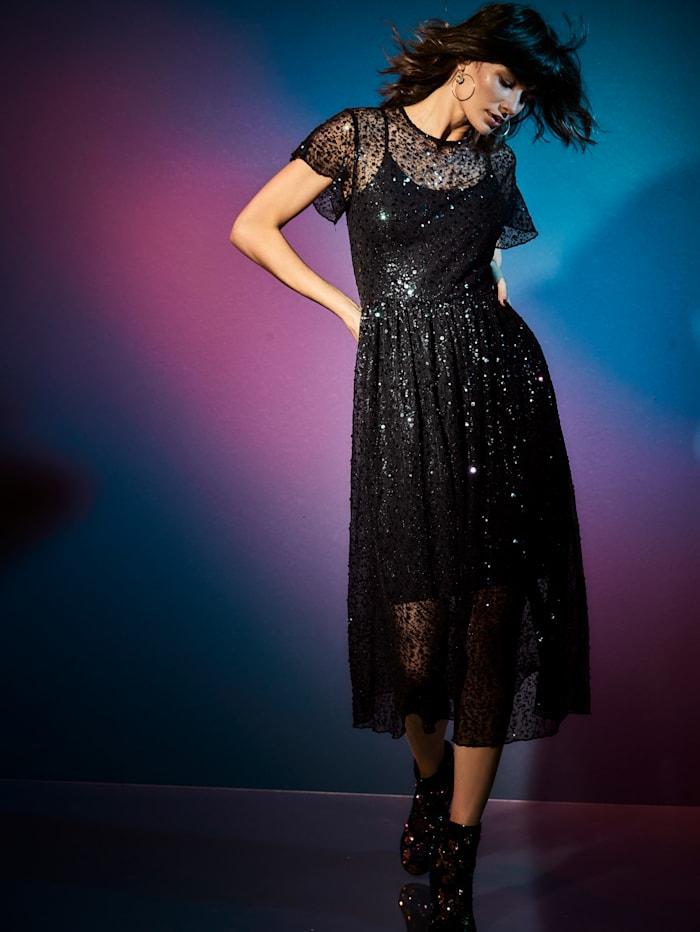 Kleid aus Mesh mit Pailletten