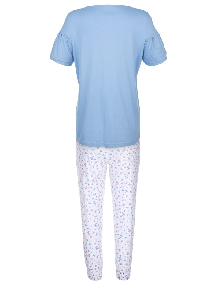Pyjamas with feminine flounce sleeves
