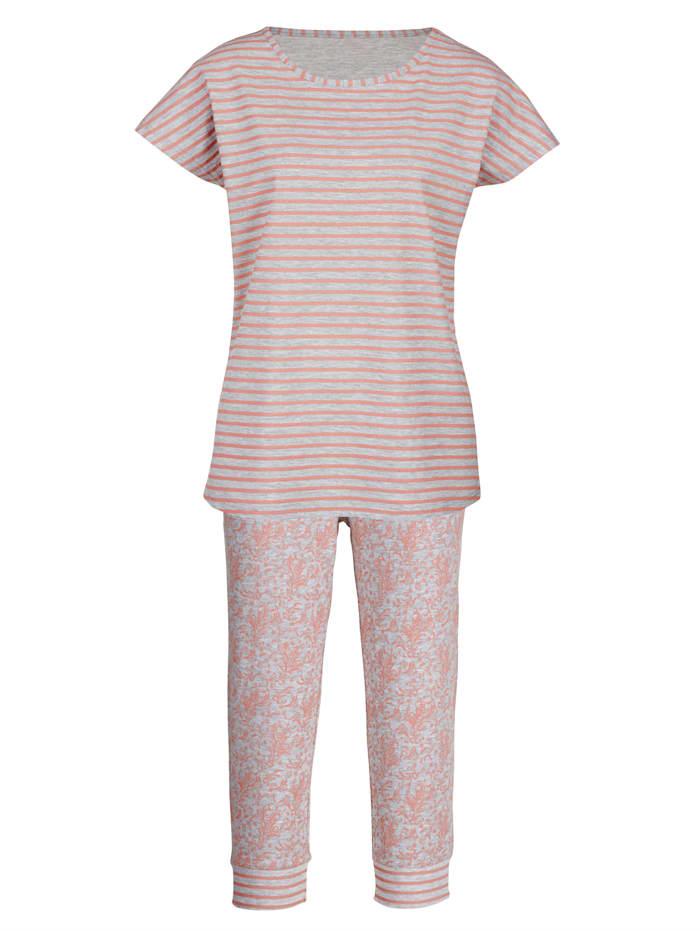 Pyjama met een mooie patronenmix