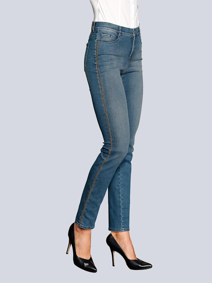 Jeanshose mit giltzerndem Galonstreifen