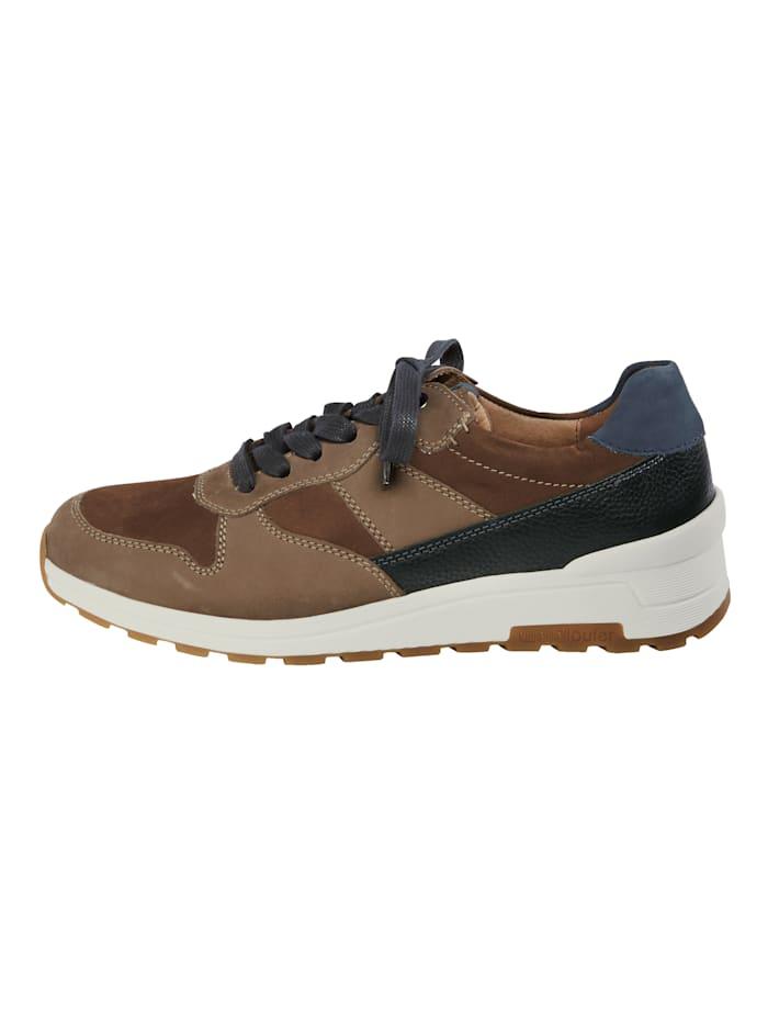 Šnurovacia obuv v peknej koženej kombinácii